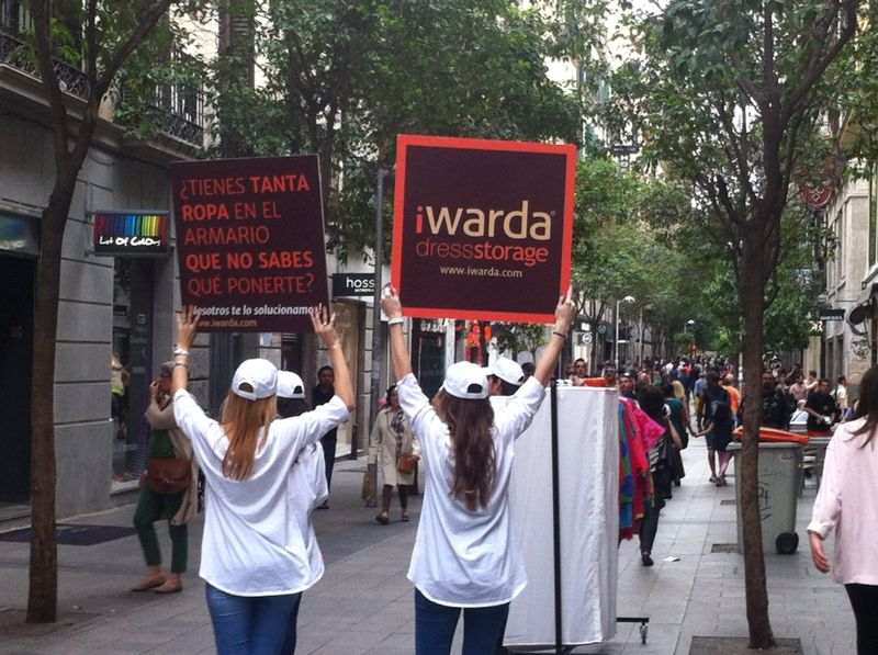 Campaña de Street Marketing de iWarda